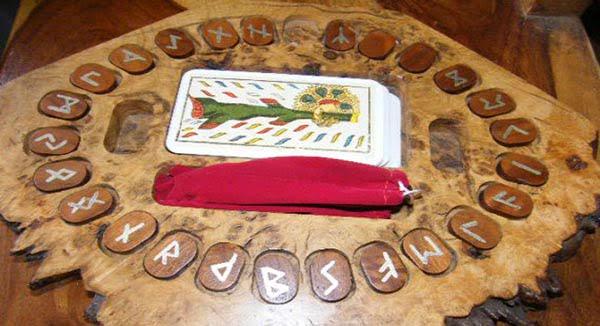 Le tirage du tarot runique